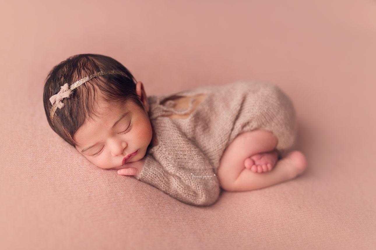 francesca-guerrini-foto-neonati-gravidanze-firenze-prato-pistoia-pisa-mentoring-fotografia-newborn