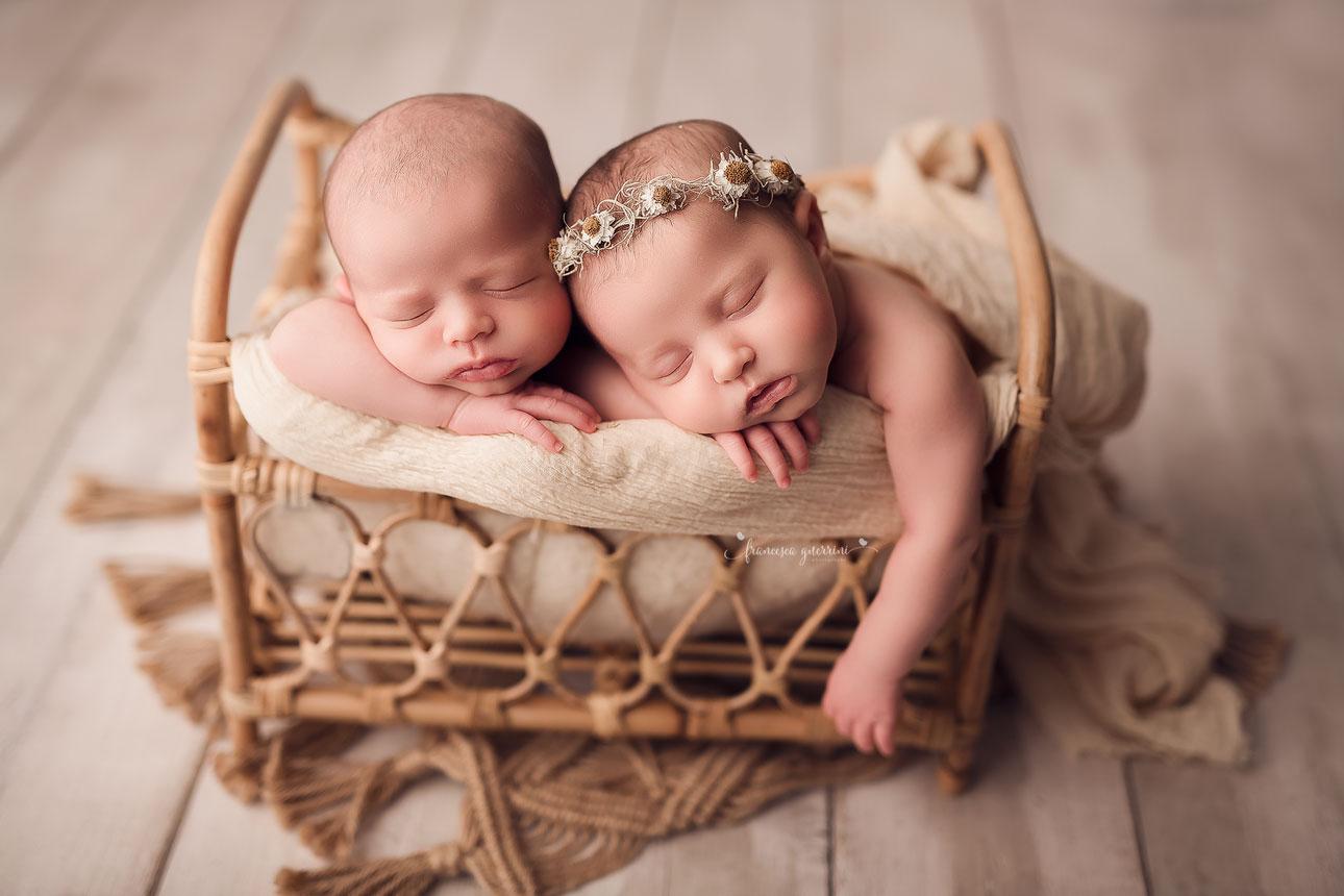 francesca-guerrini-foto-neonati-gravidanze-bambini-newborn-firenze-prato-pistoiamentoring